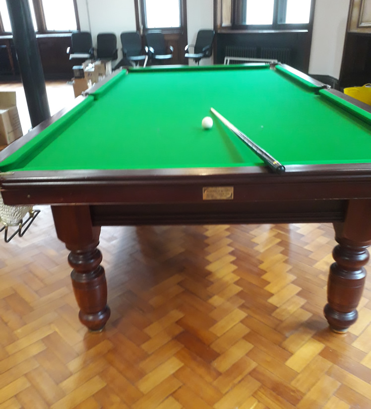 10ft Parkers of Bexley Snooker Table Recovered in Green 6811 Napped Cloth