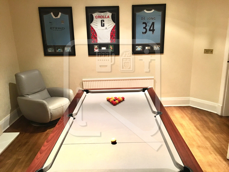 7ft Supreme Prince Pool Table recvoered in Silver Clothr