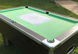 Recover of a Winner pool table in a wedding invitation custom cloth