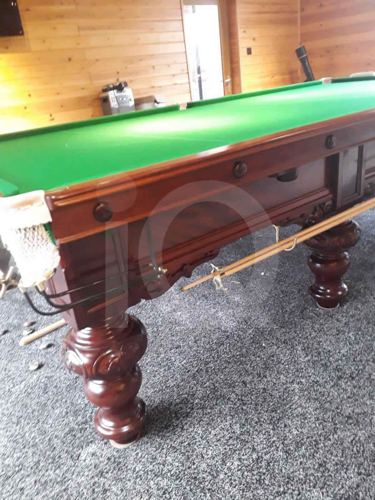 Snooker table build by IQ